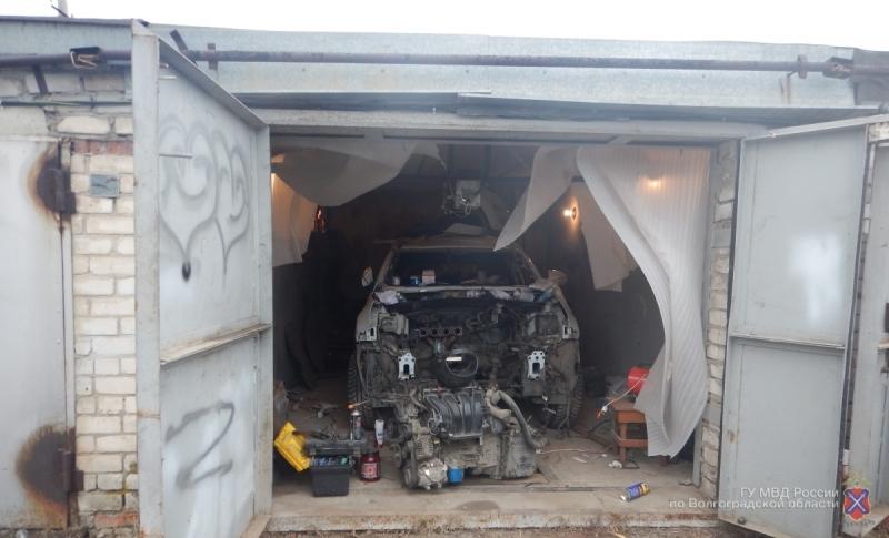 ВВолгограде полицейские задержали подозреваемых всерии краж иномарок