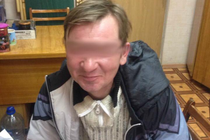 ВКирове должник 4 года прятался вземлянке