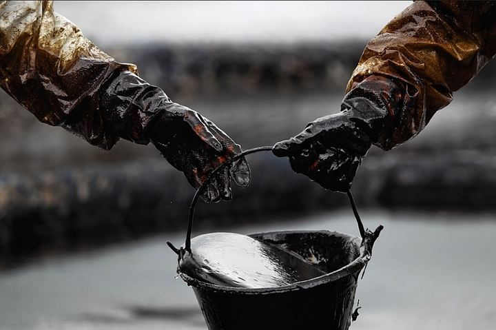 Беларусь начала получать иранскую нефть через порт Одессы