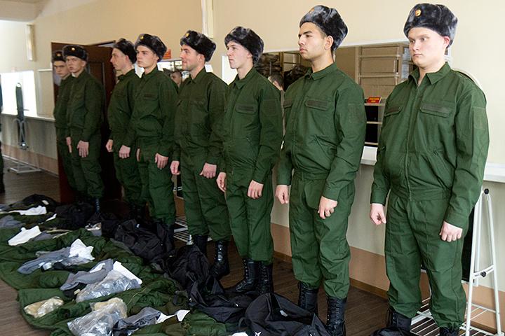 Призывной возраст в РФ посоветовали поднять с27 до30 лет