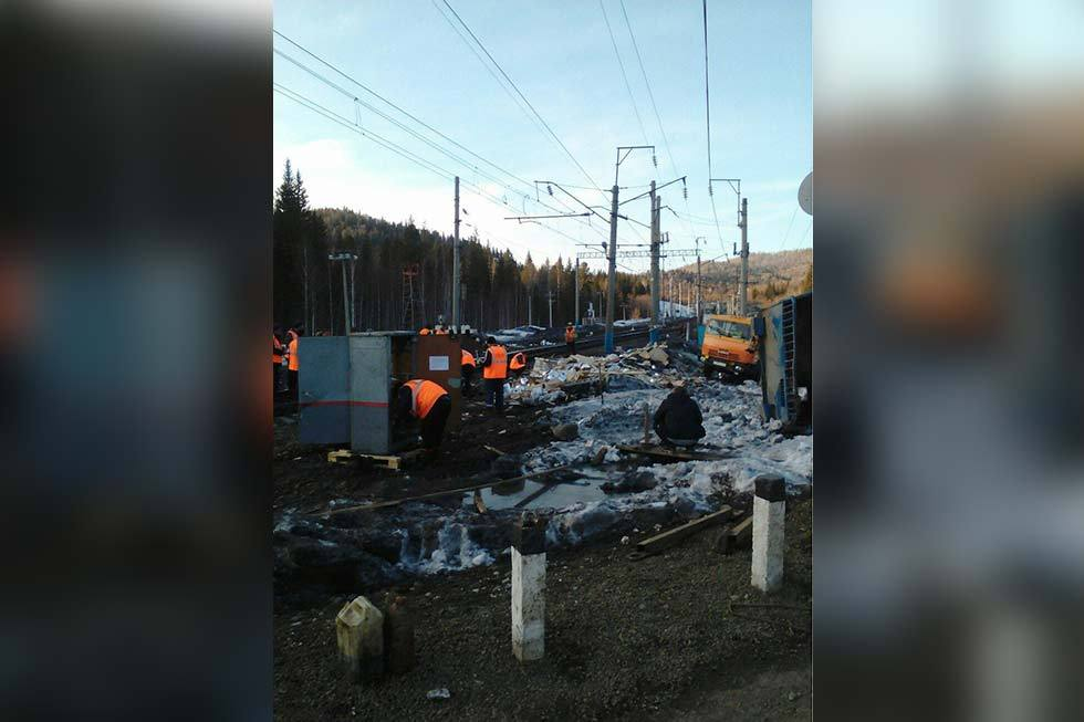 ВКрасноярском крае КамАЗ спровоцировал трагедию нажелезной дороге