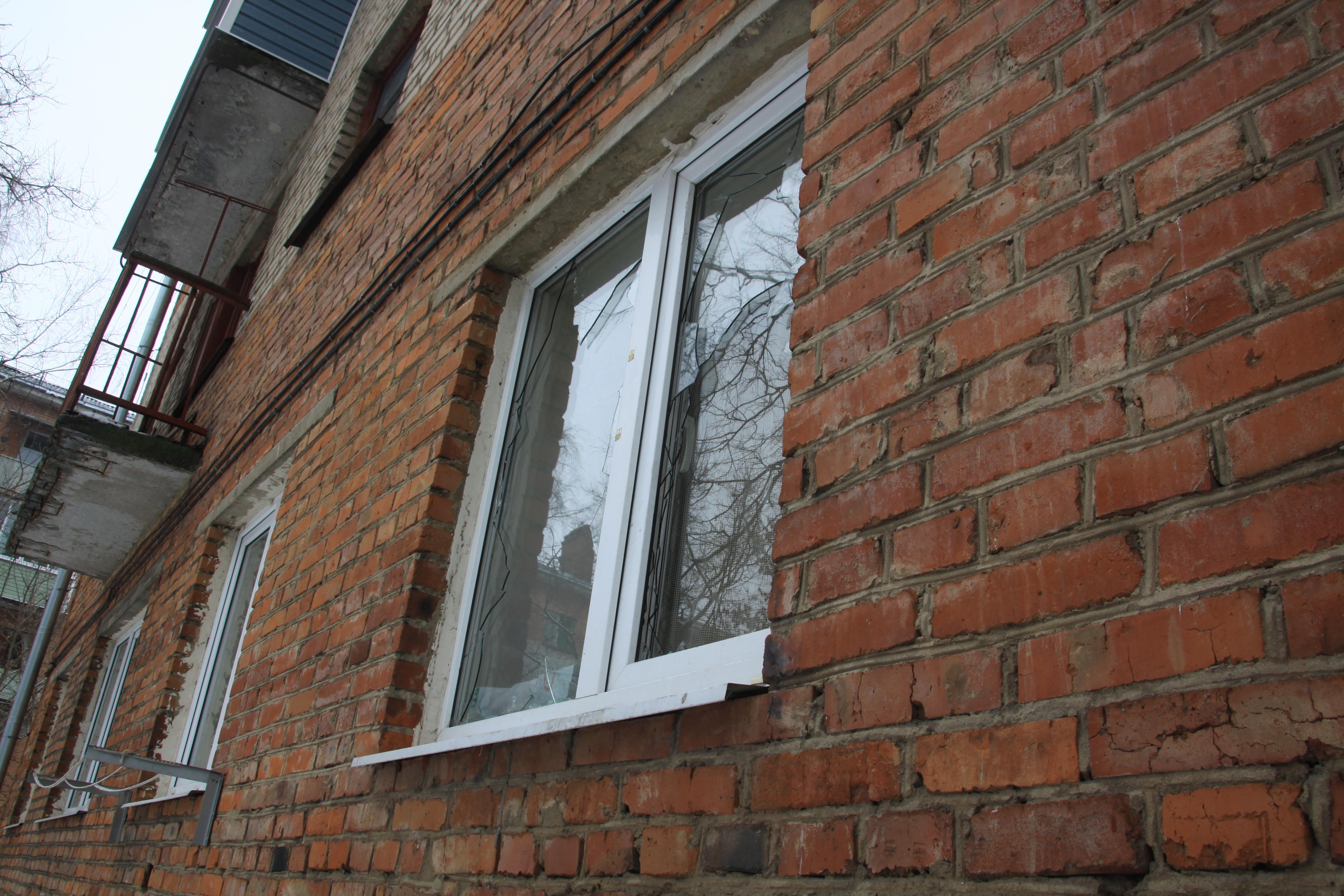 ВоВладимире горожане замуровали окно вквартире эксгибициониста