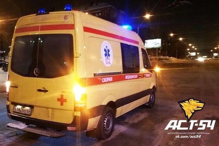 Ребенок пострадал встолкновении скорой смикроавтобусом вНовосибирске