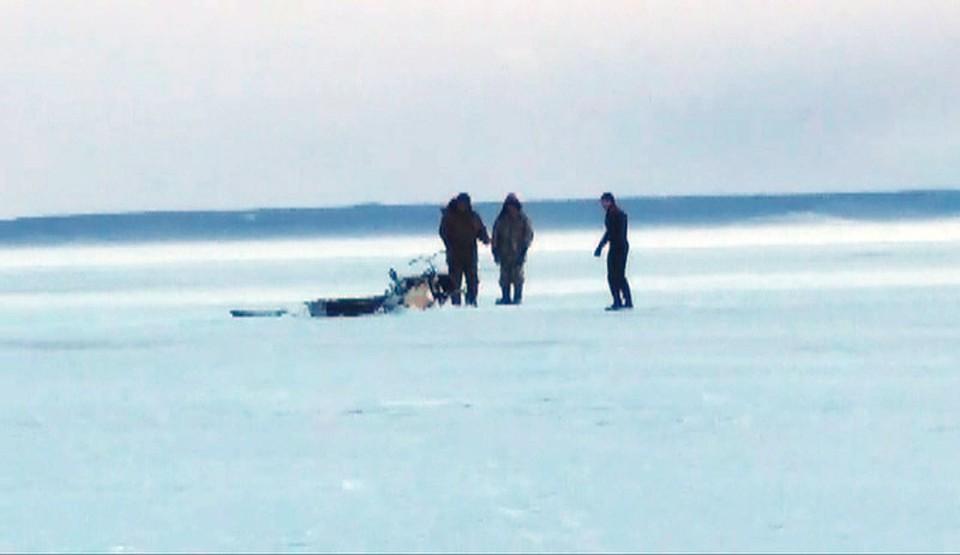 УТольятти наВолге спасли рыбаков, провалившихся наснегоходе под лед