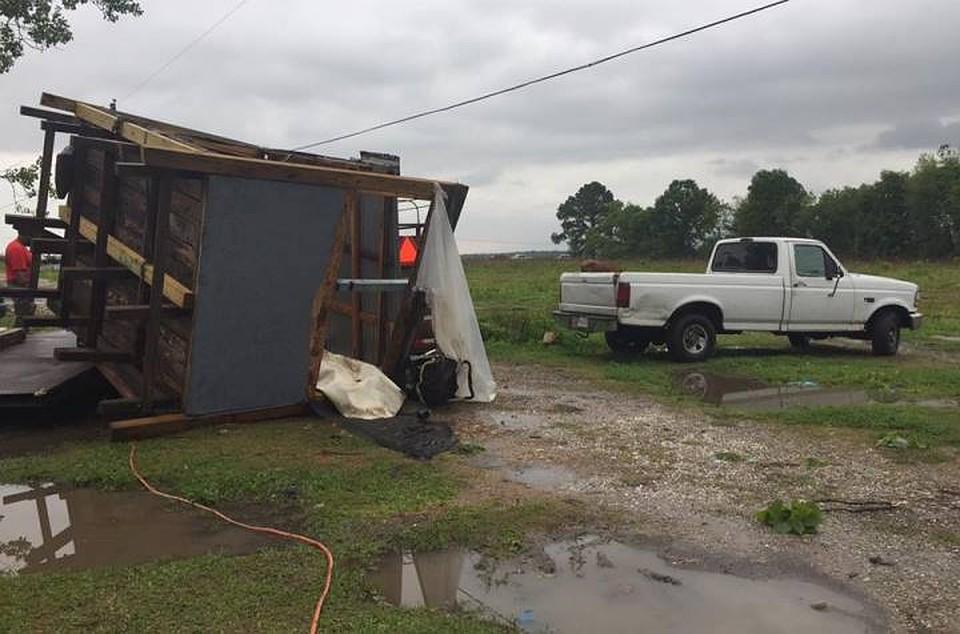 ВСША шторм перевернул дом, погибли мать идочь