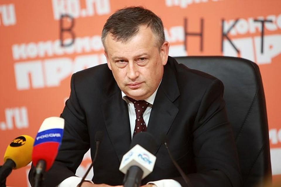 Губернатор Ленобласти вподдержку петербуржцев поехал наработу наметро