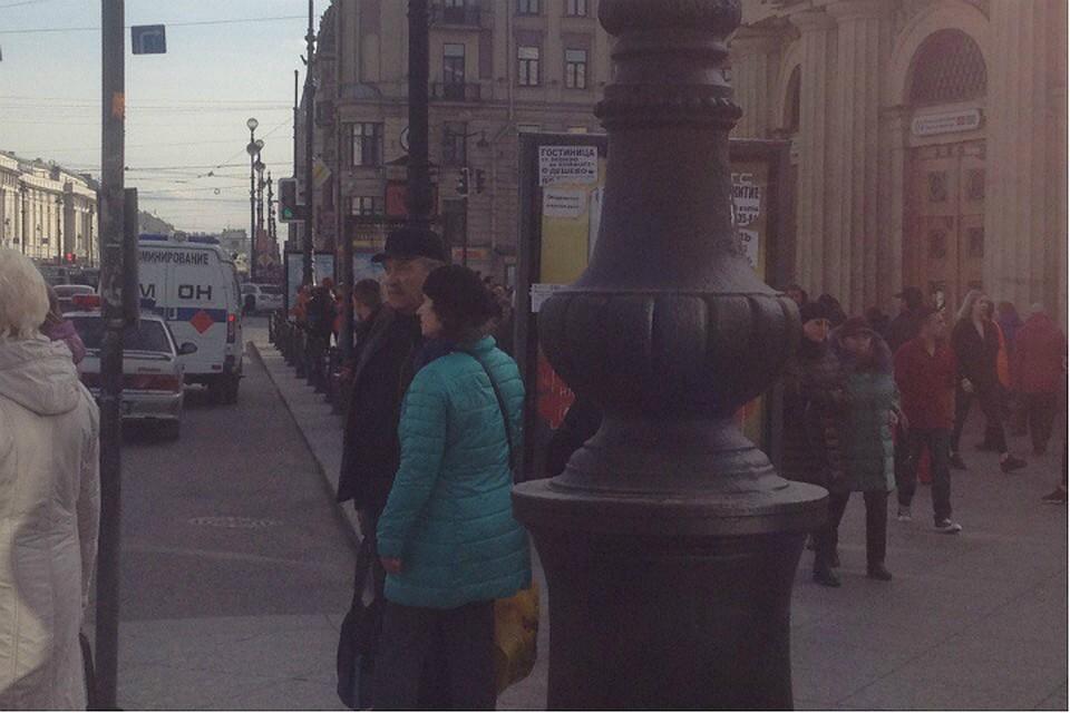 ВПетербурге настанции метро «Площадь Восстания» найден бесхозный предмет