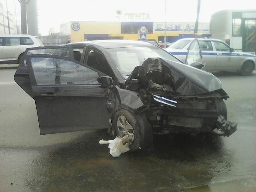 ВТвери шофёр  «Хендай» умер , врезавшись наскорости встолб