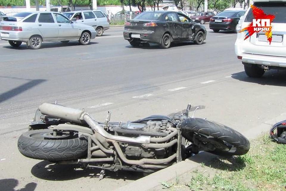 ВВоронежской области мотоциклист разбился насмерть вДТП сфурой