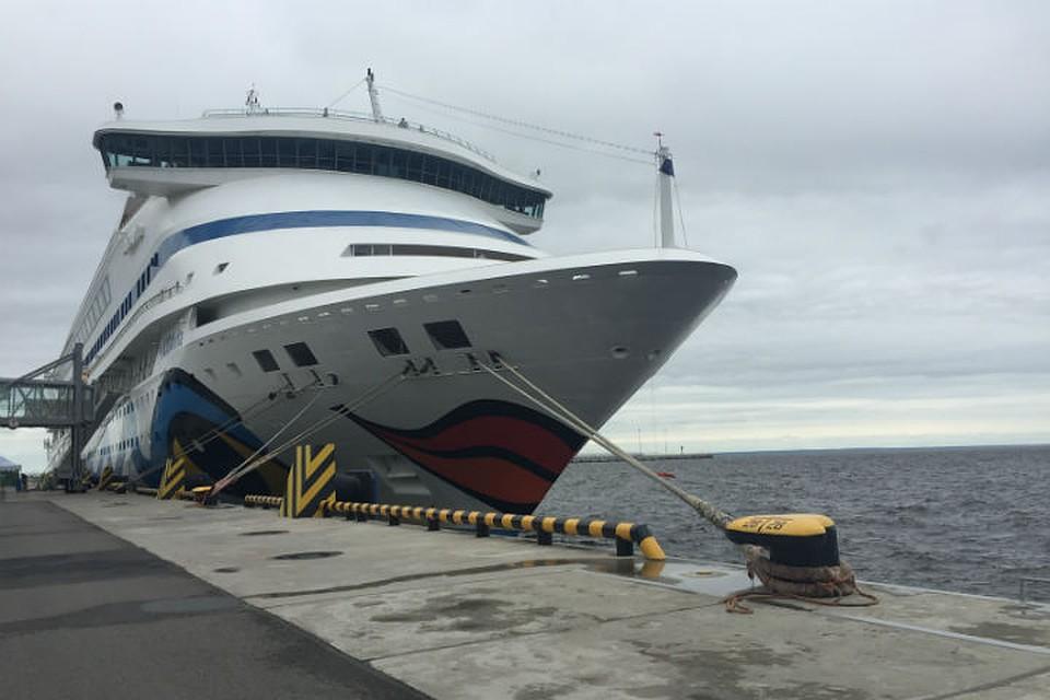 Люксовый лайнер Viking Sky открыл сезон летней навигации вПетербурге