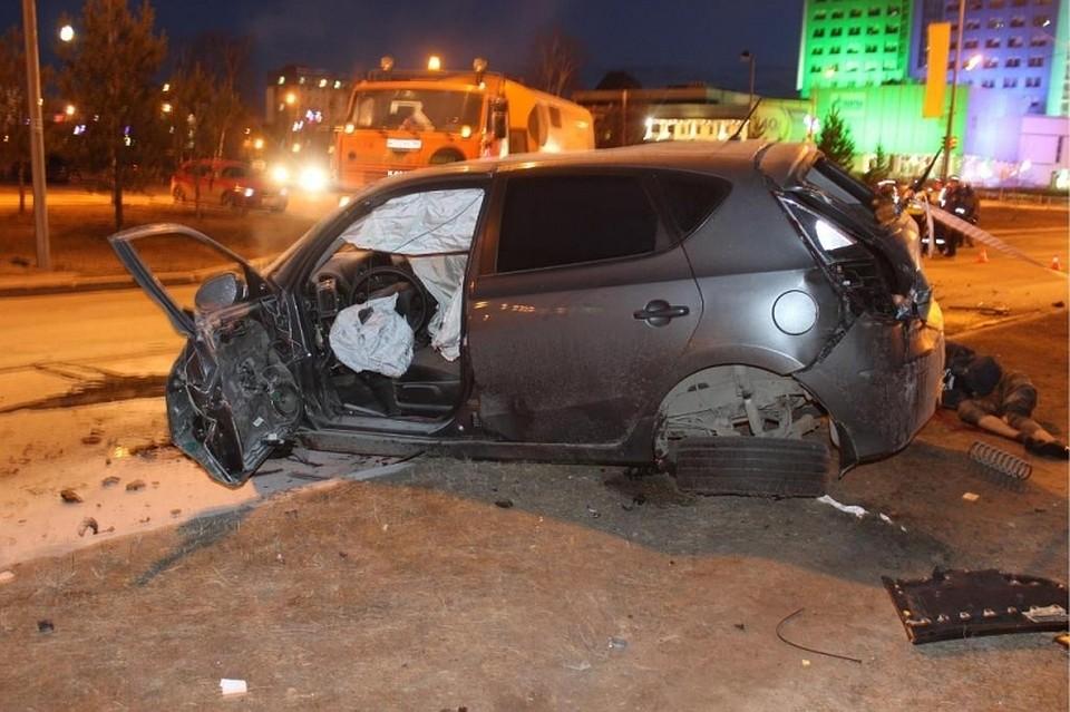 Встрашном ночном ДТП вСургуте погибли два человека
