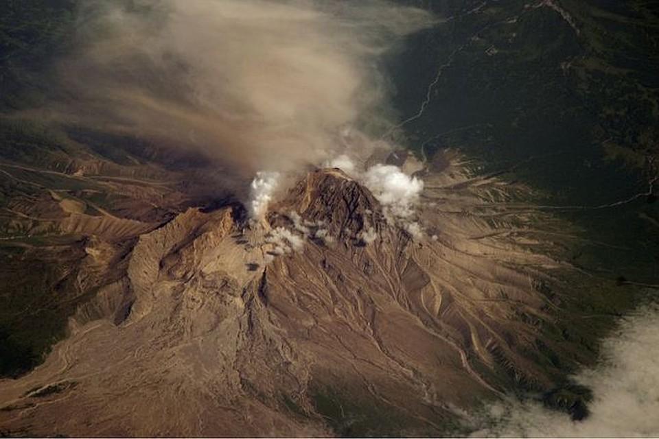 НаКамчатке вулкан Шивелуч выбросил пепел 2-ой  раз засутки