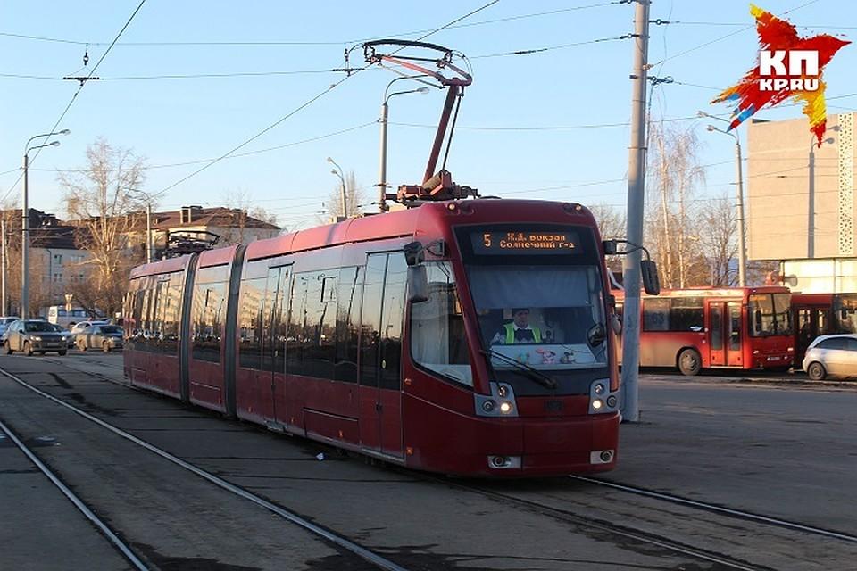 Под колеса трамвая вКазани попал пенсионер