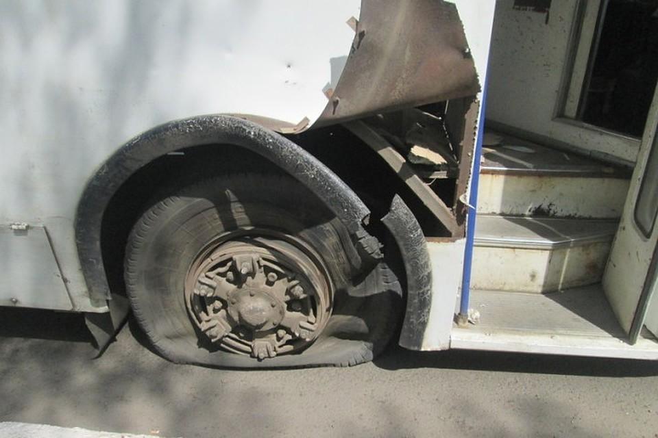 Девушка получила перелом ноги из-за взорвавшегося колеса троллейбуса вБратске