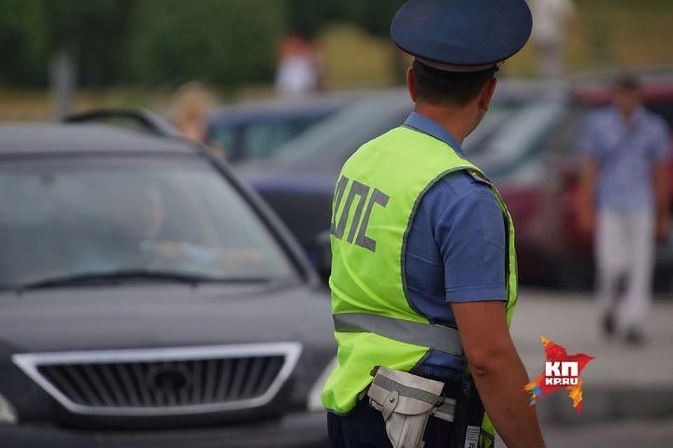 Два подростка погибли под колесами нанеосвещенной обочине дороги. шофёр исчез