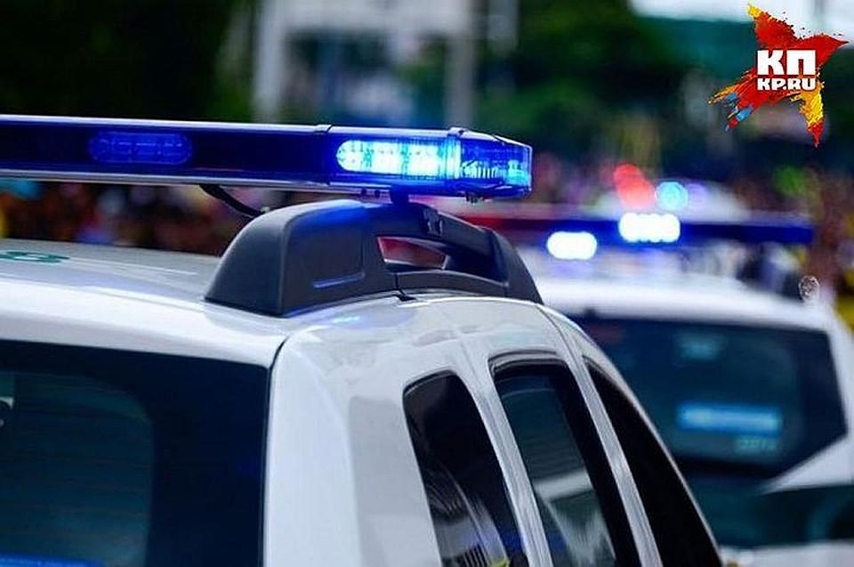 ВПетербурге 53-летняя женщина украла изподъезда самокат