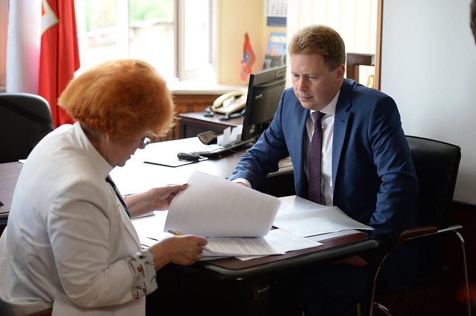 Врио руководителя Севастополя Овсянников подал документы нарегистрацию претендентов вгубернаторы