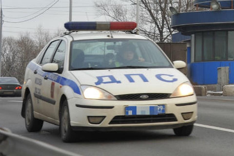 Нетрезвый шофёр «Lada» вылетел вкювет иопрокинулся натрассе «Омск-Тара»