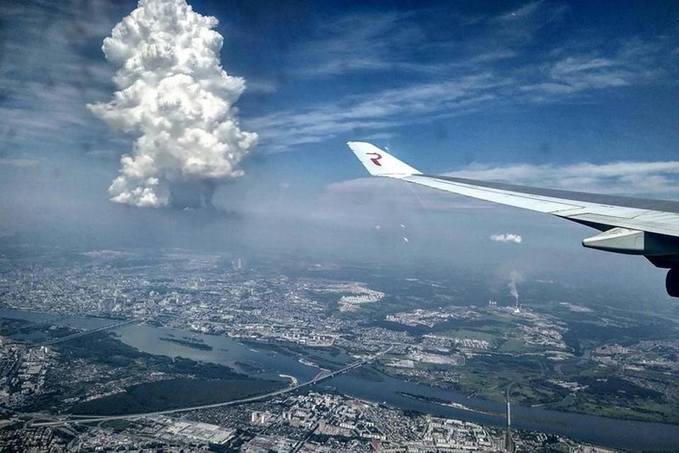 Ученые пояснили  появление вертикального облака над Новосибирском