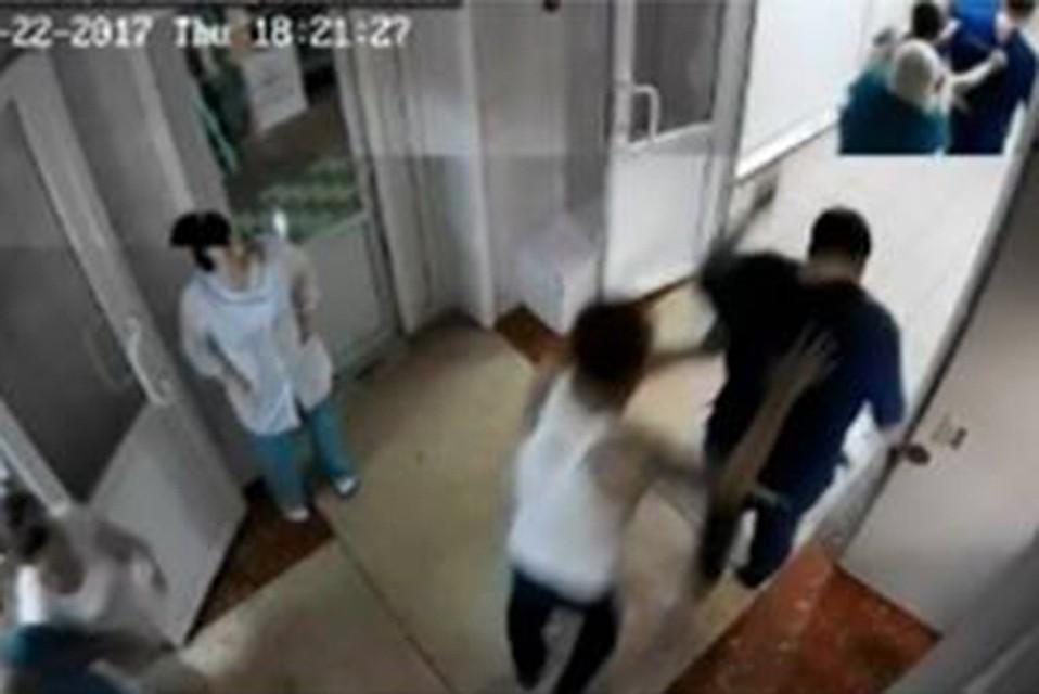 Дело возбудили вХабаровске после нападения пациента на медсотрудника из-за неудобных вопросов