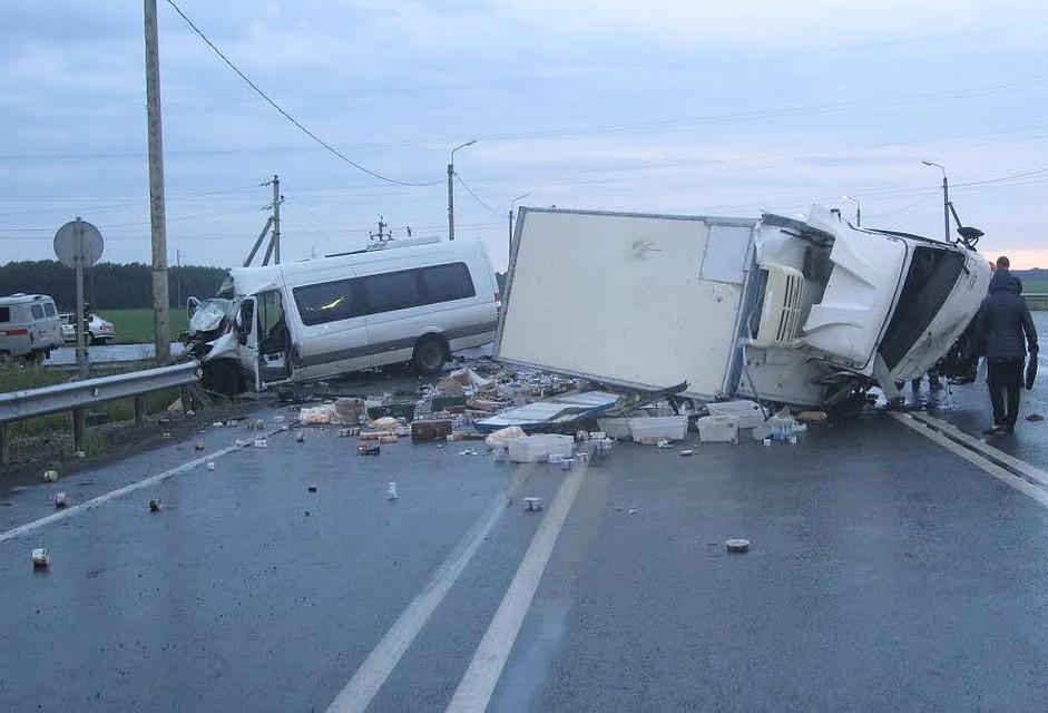 ВТюменской области 11 человек пострадали вДТП савтобусом