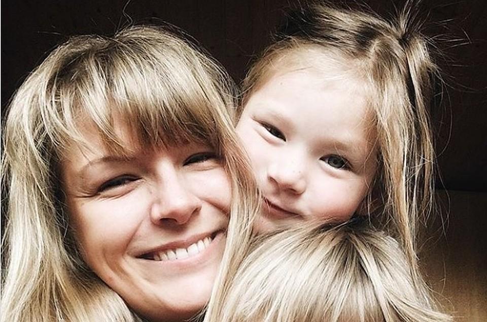Доктор  изПетербурга получила премию iPhone зафото дочери