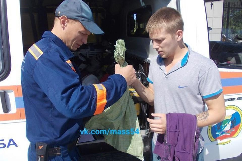 Cотрудники экстренных служб словили змею вквартире жительницы Новосибирска