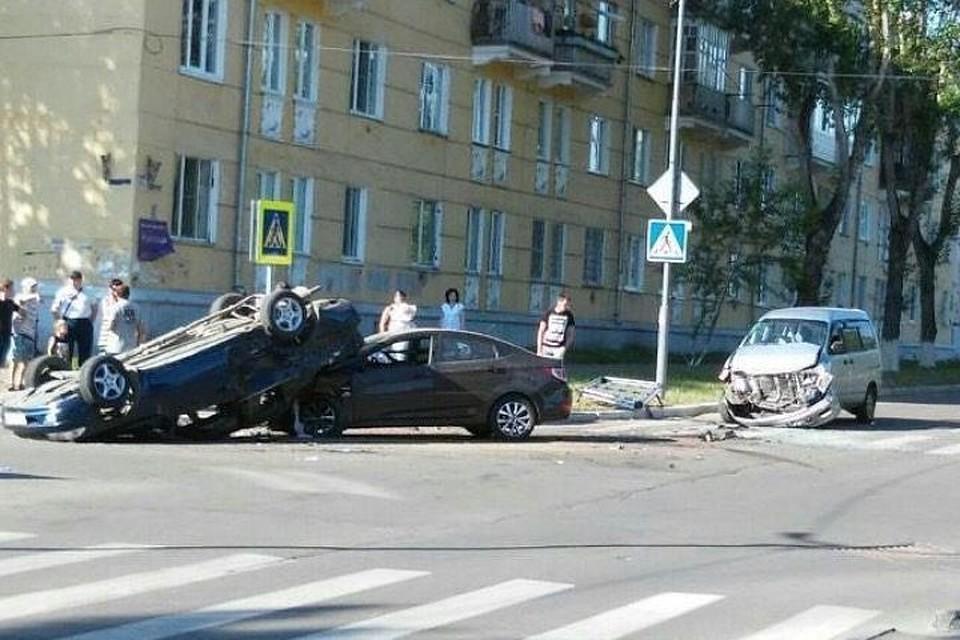 Два человека пострадали вДТП сучастием 3-х иномарок вАнгарске