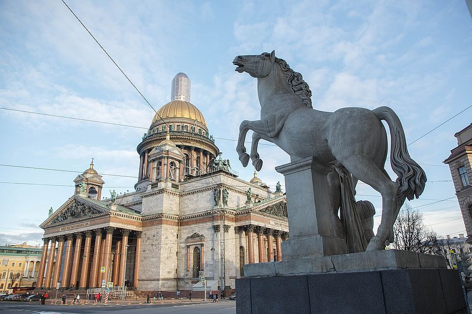 КС отвергнул жалобу противников передачи Исаакия РПЦ