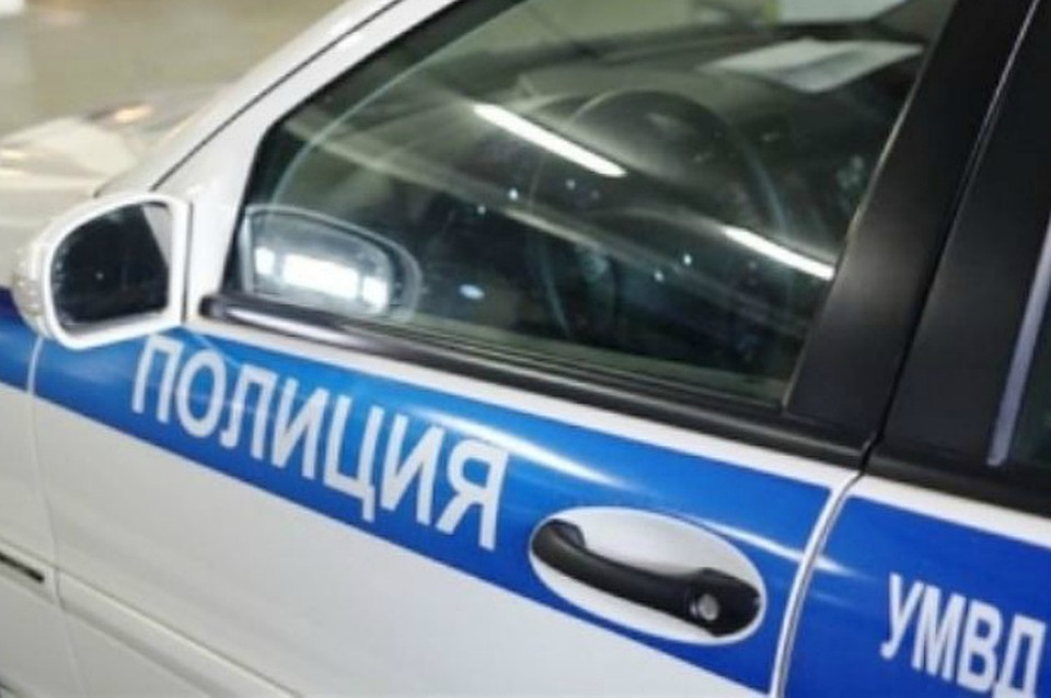 ВМурманске наулице Гагарина лежит труп неизвестного мужчины