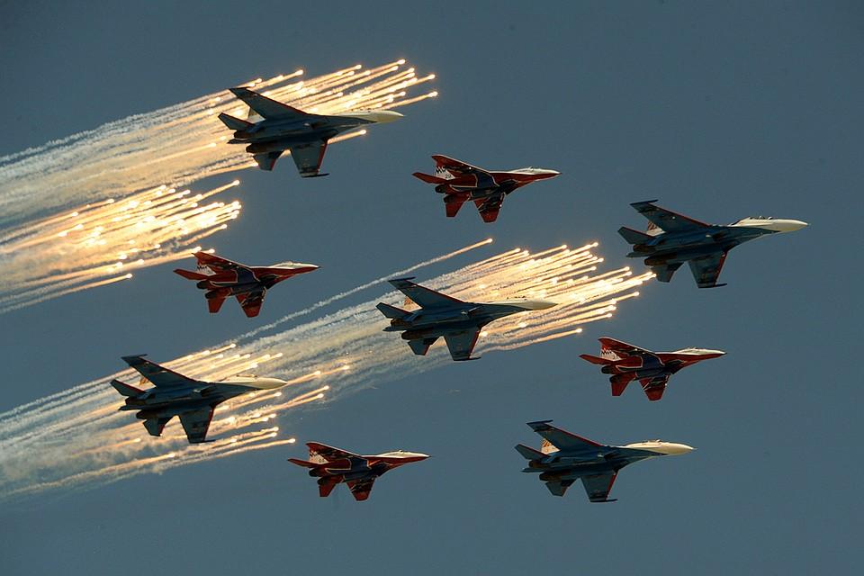 «Соколы России» выступили наавиашоу, посвященному русской  авиации
