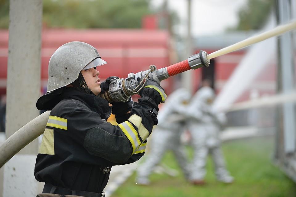 ВПодмосковье пожар вТЦ «Мега— Белая дача». Эвакуированы 100 человек