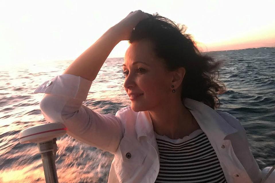 49-летняя Ольга Кабо поразила фанатов снимком издуша