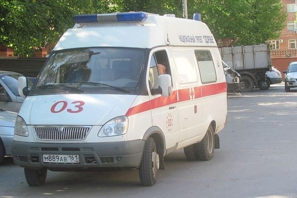 Приземлившийся ваэропорту Ростова пассажир скончался наруках у мед. персонала