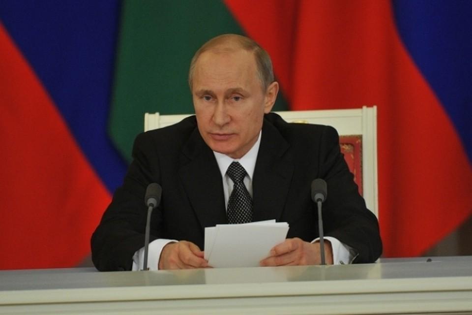 Путин: необходимо решить проблему представления гражданства крымчанам