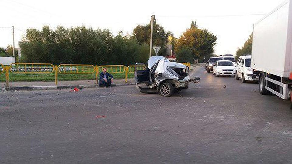ВСаратове 24-летняя девушка пострадала при столкновении «Шкоды» и«Лады»