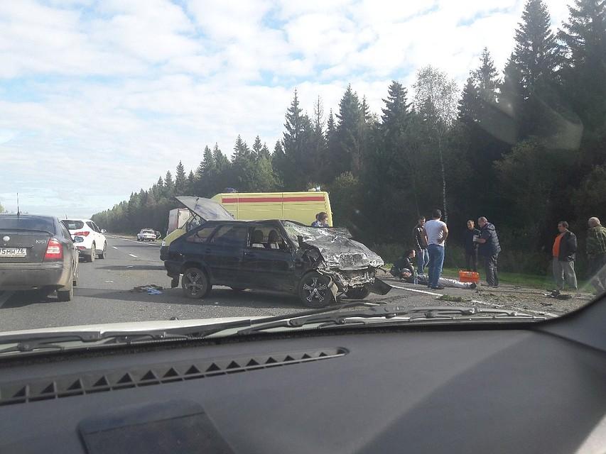 ВЯрославском районе столкнулись два автомобиля