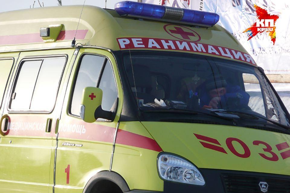 ВПрикамье шофёр иномарки врезался вприпаркованный «ВАЗ» и умер наместе