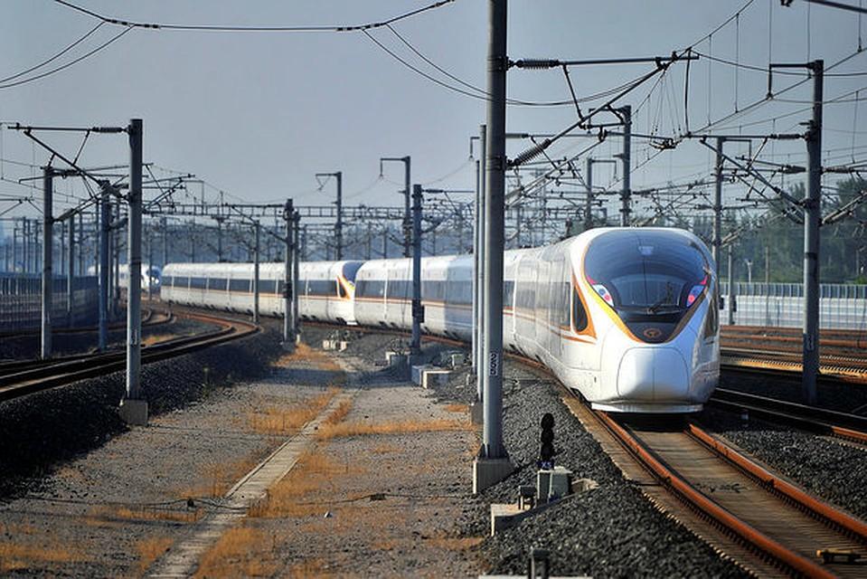 ВБельгии эвакуировали 200 человек иззастрявшего втоннеле поезда