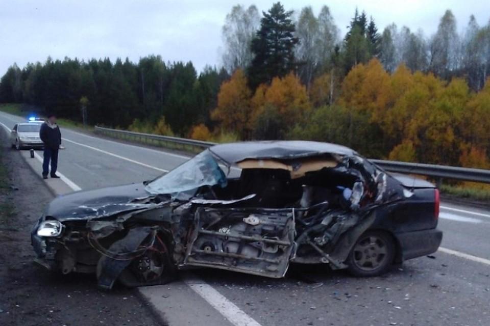 Встрашном ДТП натрассе Пермь-Екатеринбург погибла женщина