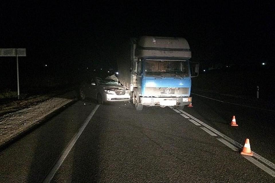 Пенсионерка-водитель скончалась после наезда на грузовой автомобиль наСтаврополье