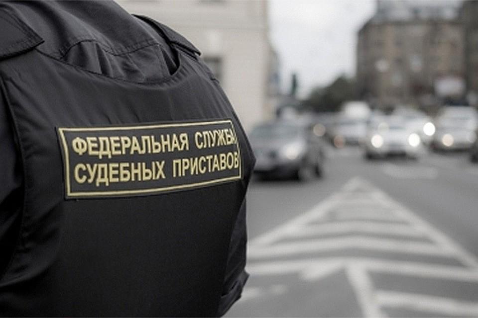 Ставропольские судебные приставы непустили циркового акробата заграницу