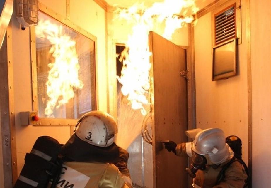 Изгорящей гостиницы вФеодосии эвакуировали 13 человек