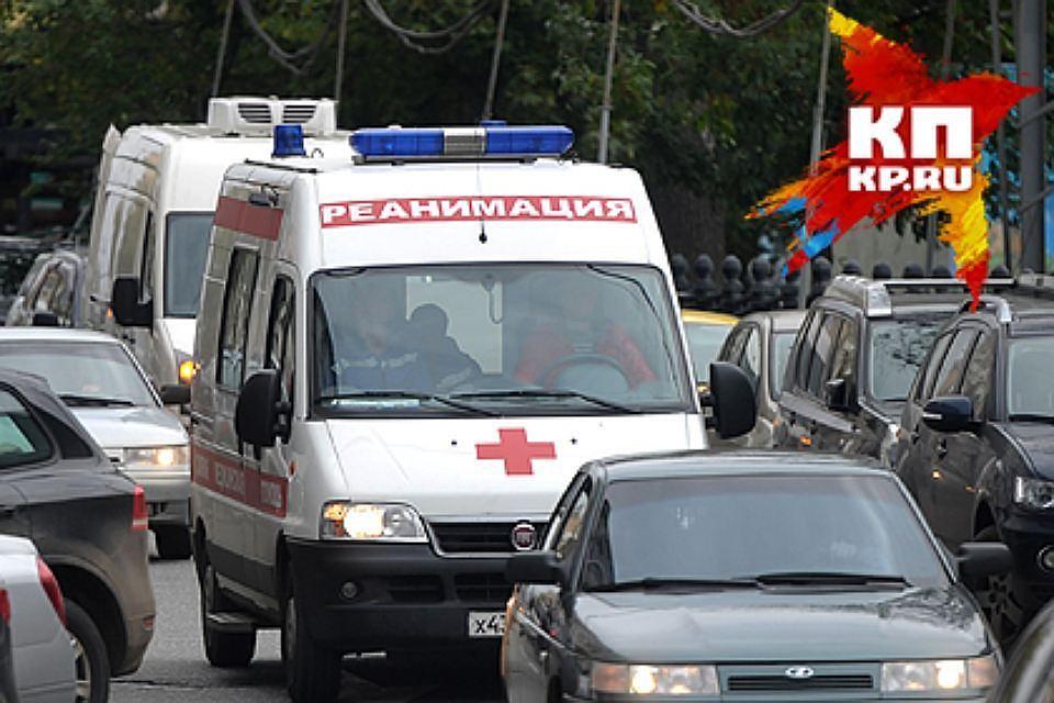 Наперекрестке вПерми иностранная машина столкнулась савтомобилем мед. персонала