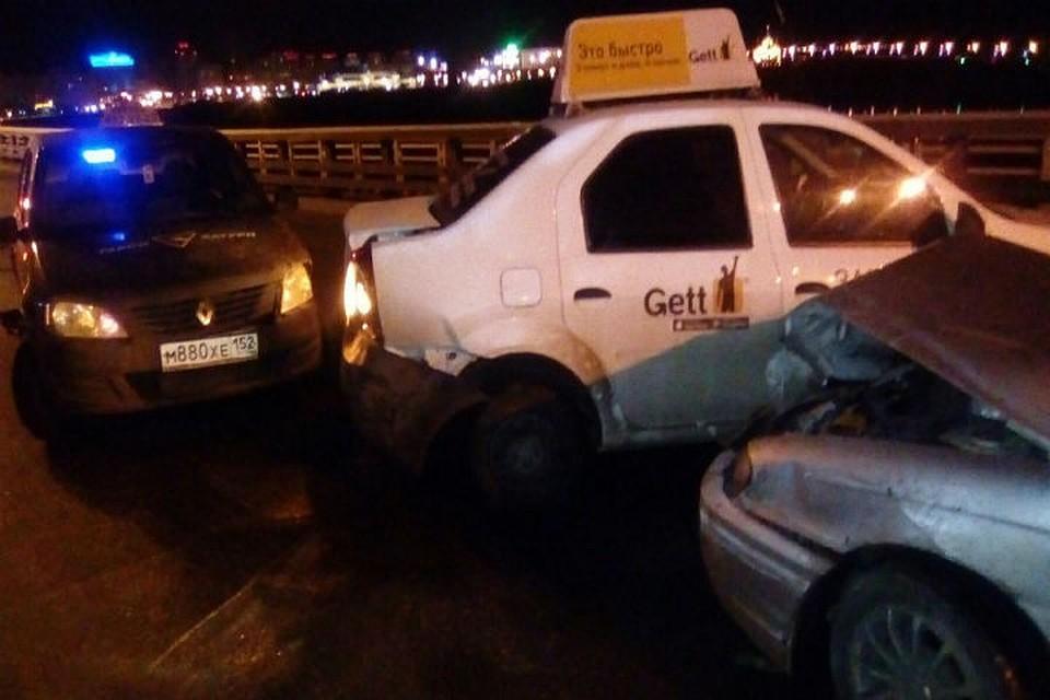 1-ый снег стал предпосылкой нескольких аварий спострадавшими вНижнем Новгороде