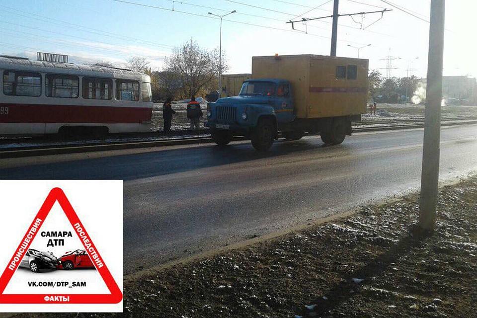 Вцентре Екатеринбурга сегодня сошёл срельсов трамвай