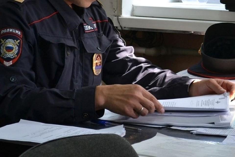 36-летний белорус месяц развращал 13-летнюю падчерицу вПетербурге