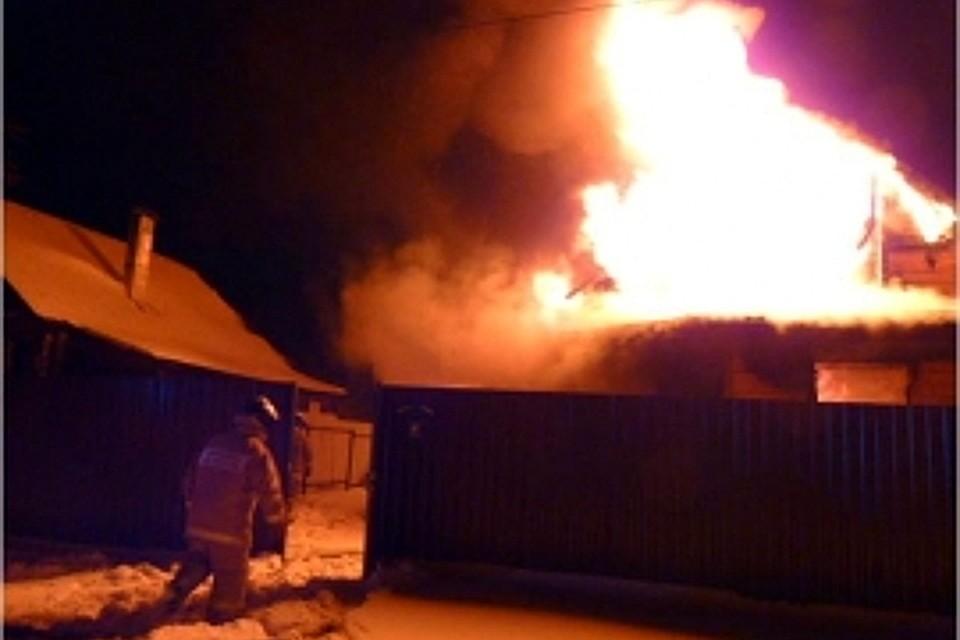 Ужасный пожар вТвери: сгорел мебельный склад вПролетарском районе