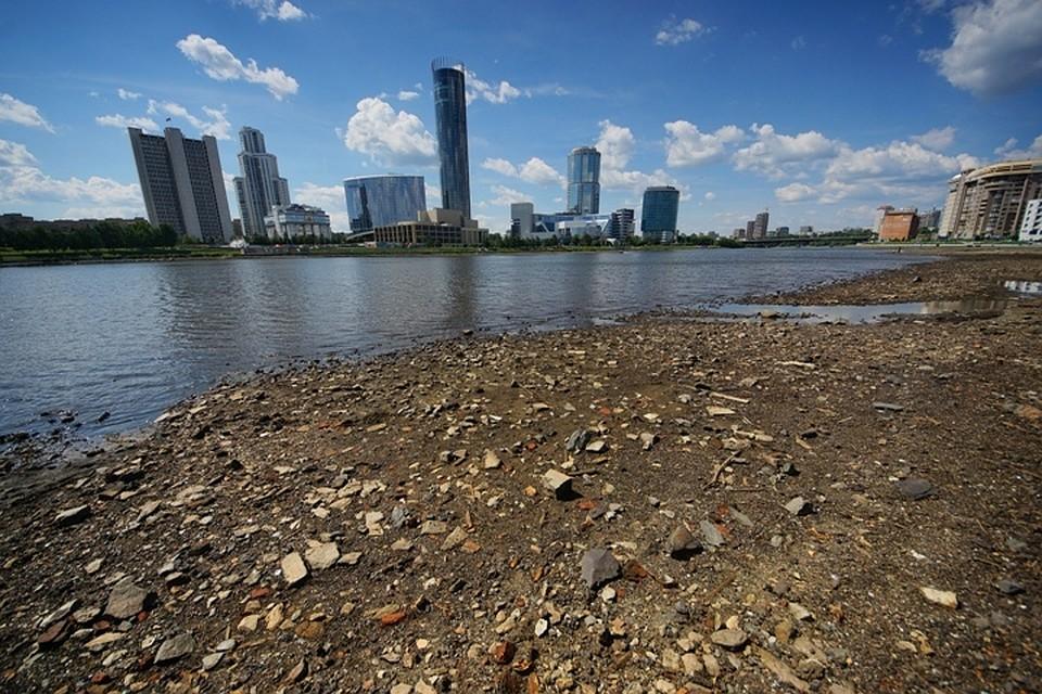 ВГородском пруду начали восстанавливать естественный уровень воды
