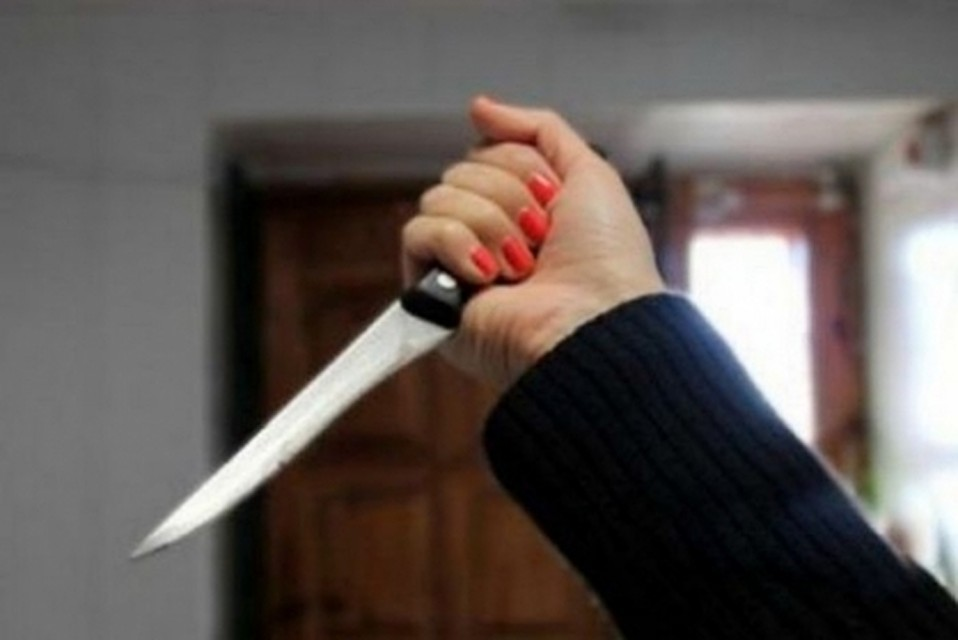 ВЯсногорске пьяная девушка ударила свою бабушку ножом вспину